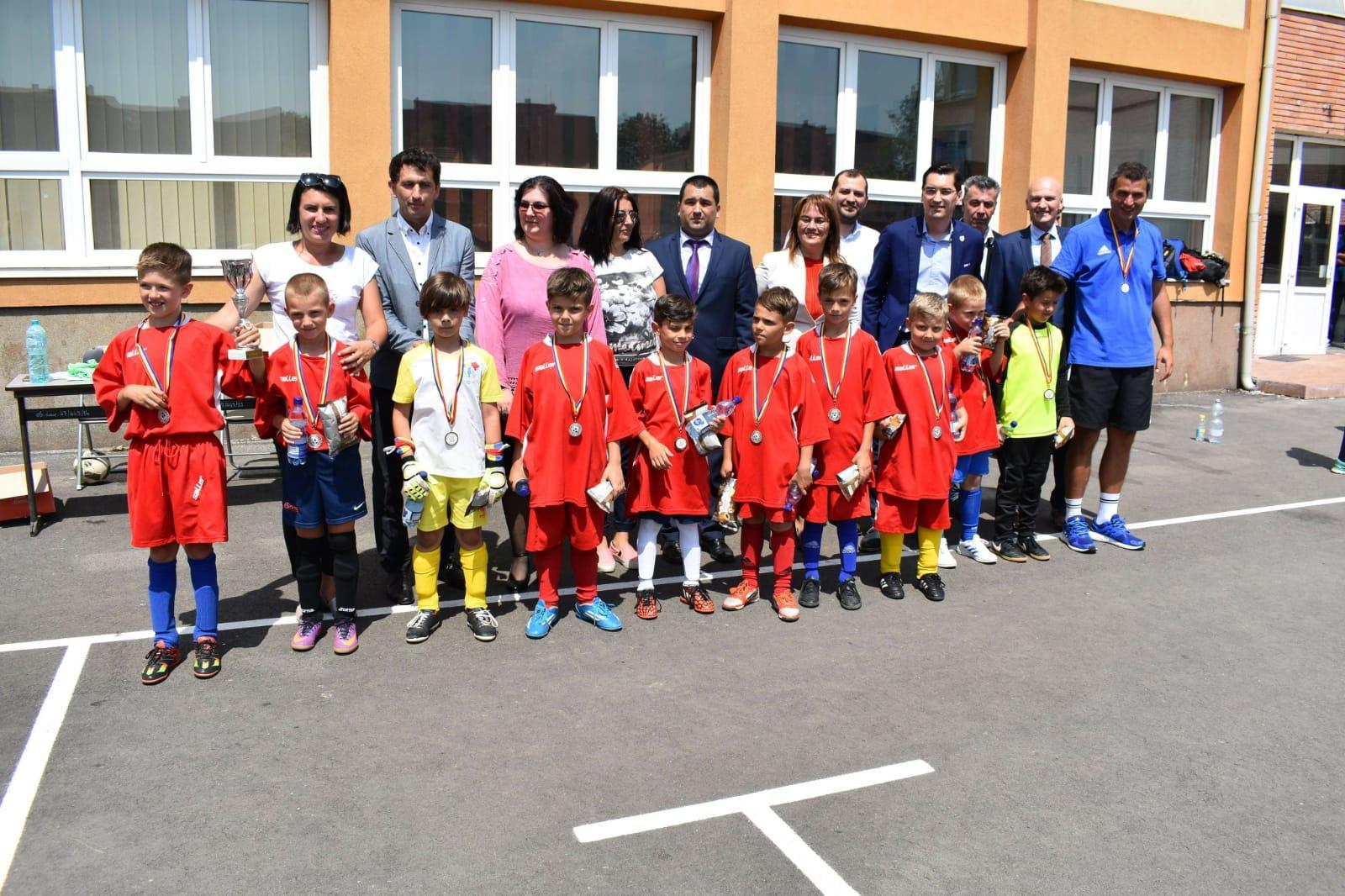 """Prima ediție a competiției de minifotbal denumită """"Aurel Vlaicu Cup"""""""