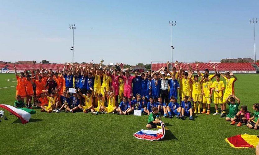 """În acorduri de """"Deșteaptă-te române"""", Regiunea Vest s-a încununat campioană la Turneul Internațional Regional"""