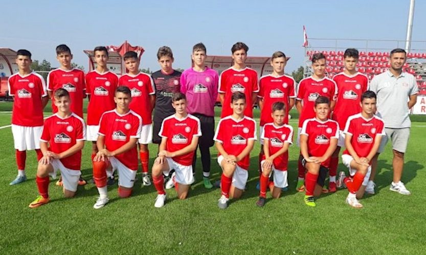 """Viitorul 2004 a luat Cupa Aradului la juniori Under 15: """"Un imbold pentru noul sezon"""""""