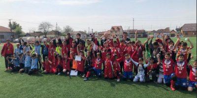 """Liceul Naţional de Informatică a câștigat Cupa Iepuraşul Football Dream și va reprezenta Aradul la """"zona"""" ONSȘ valabilă pentru cilcul primar"""