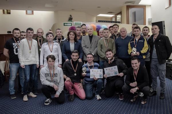 Viitorul la putere în competiția de mini-fotbal rezervată jurnaliștilor arădeni +FOTO