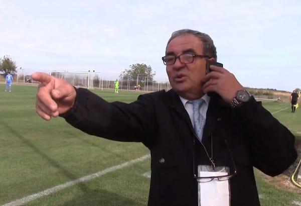 """Gheorghe Sfăt, """"furnicuța"""" de la AJF Arad: """"E necesar să faci totul din plăcere, doar din obligație nu poate ieși ceva foarte bun"""""""